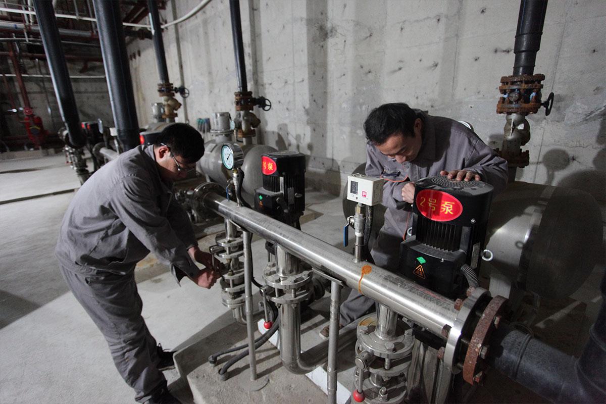 工程部勤检查-勤维修-保证设备正常运行